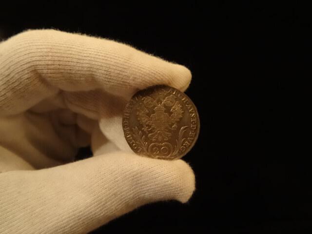 Münzen richtig anfassen