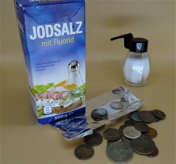 Münzen reinigen mit Salz und Alufolie Kaisernatron Backpulver